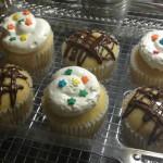 Cupcakes con crema y chocolate