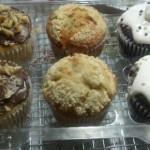 Cupcakes y muffins de chocolate y crema