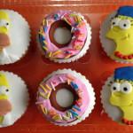 Cupcakes de vainilla tematica los simpsons