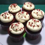 Cupcakes red velvet rellenos de crema