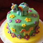 Torta decorada de pony verde